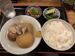 蛸焼とおでん友のおでん定食